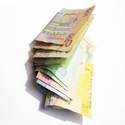 Post thumbnail of x-change.in.ua отменил операции связанные с долларовыми картами в Украине.