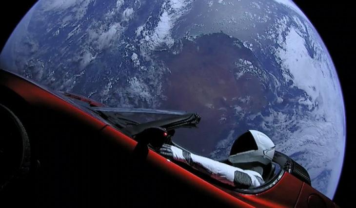Скоро летим на Марс? SpaceX удачно запустила тестовый Falcon Heavy с Теслой на борту =)
